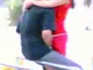 Узбеки занимаются сексом днем прямо в парке