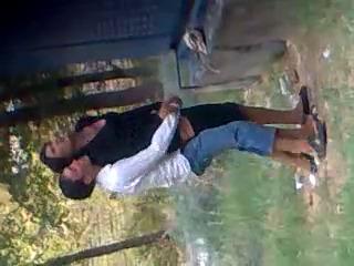 Молодые узбеки в Гулистан парк скрытая камера секс