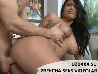 Сиськастую женщину трахнули раком UZBAK.RU