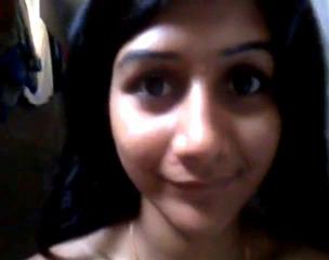 Узбекская Жалап снимает на видео свою пизду